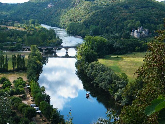 Dordogne river, South West France ©bigwiz