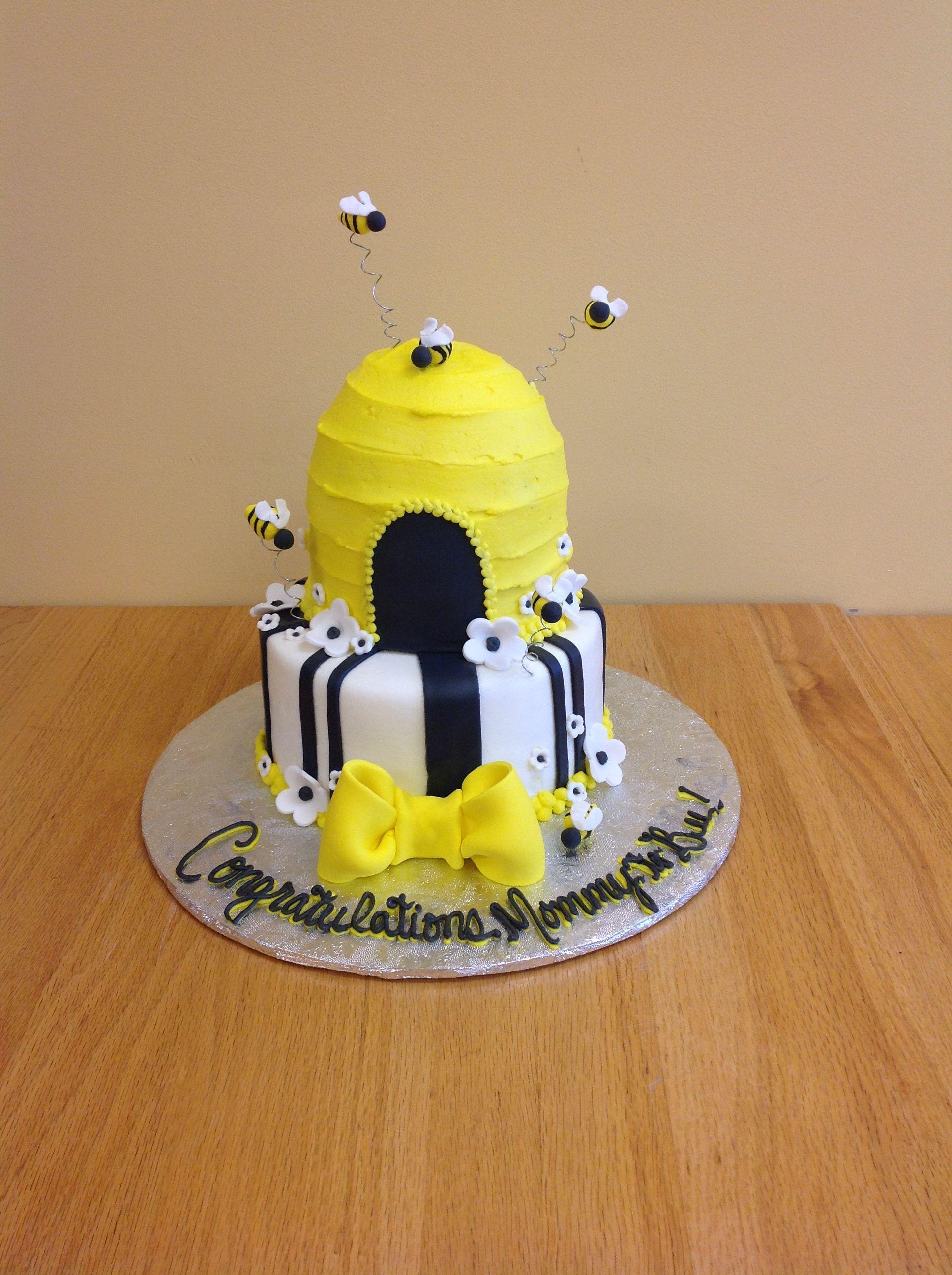 Bee Cake By Saras Sweet Bakery Grand Rapids Mi Custom Decorated