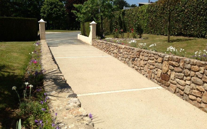 Projet du0027aménagement de chemin en béton désactivé jardin Pinterest - Dalle Pour Parking Exterieur