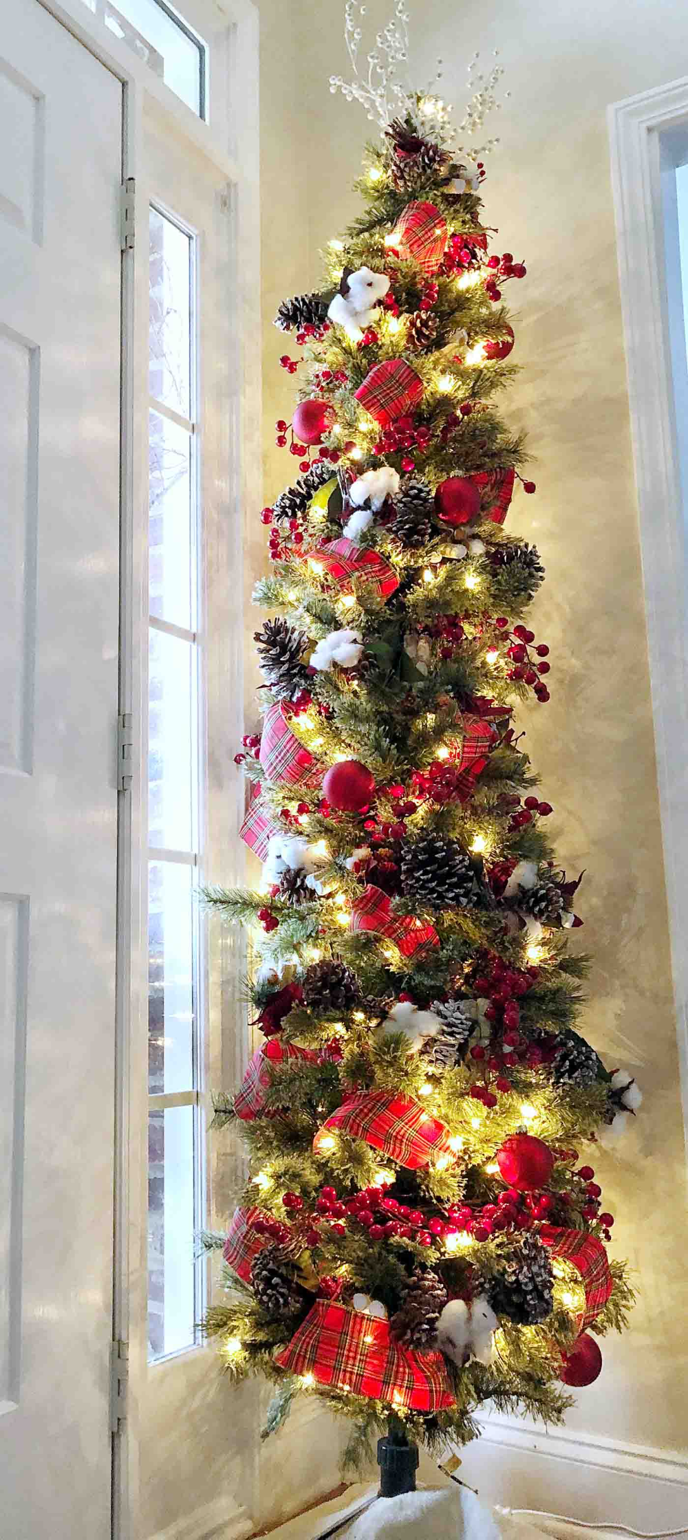 50 Reader Christmas Tree Beauties You've Gotta See! -   18 christmas tree themed ideas