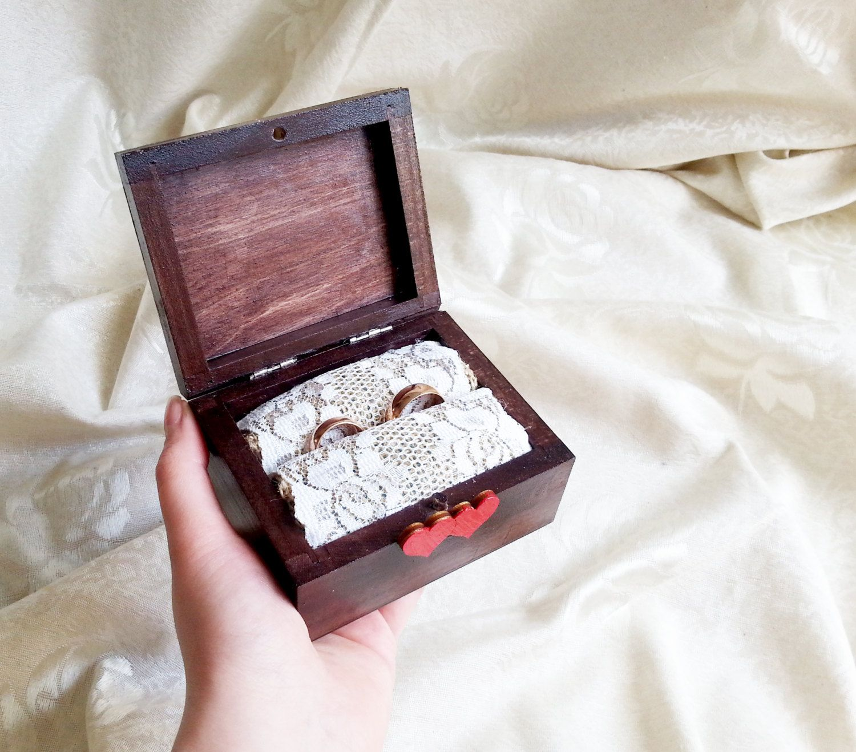 Cream brown red ecru rustic wedding rings box burlap cotton lace