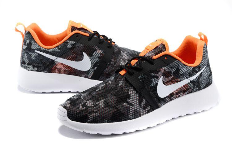 971745dfc3851  womens  running  shoes 511881-131 Nike Roshe Run Camo Black Total Crimson