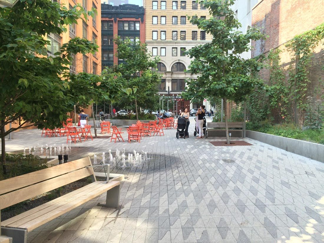 Beekman Plaza Entry © James Corner Field Operations (With