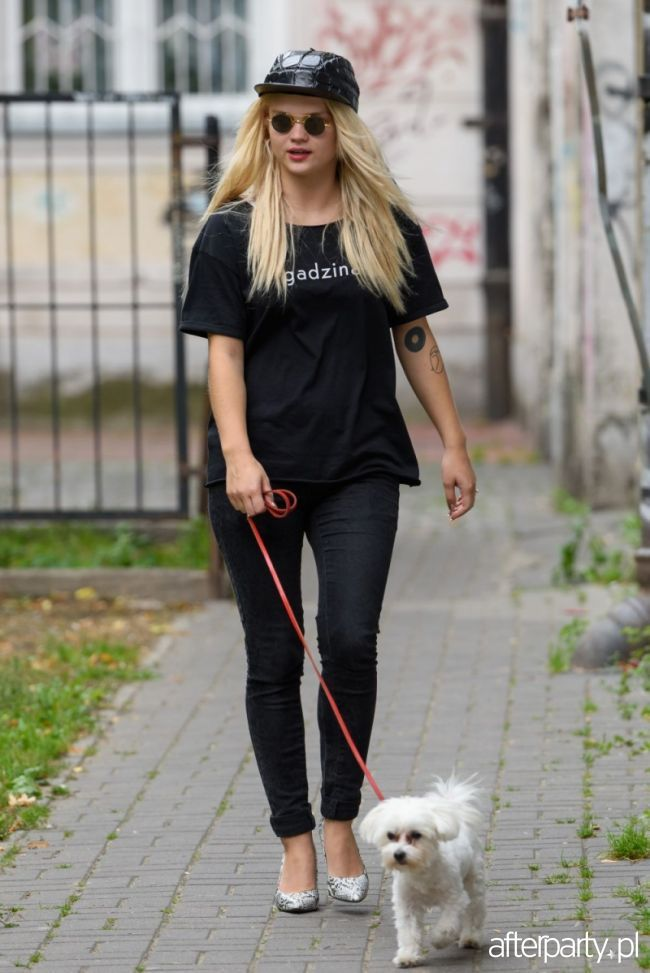 Margaret na co dzień - na spacerze z psem