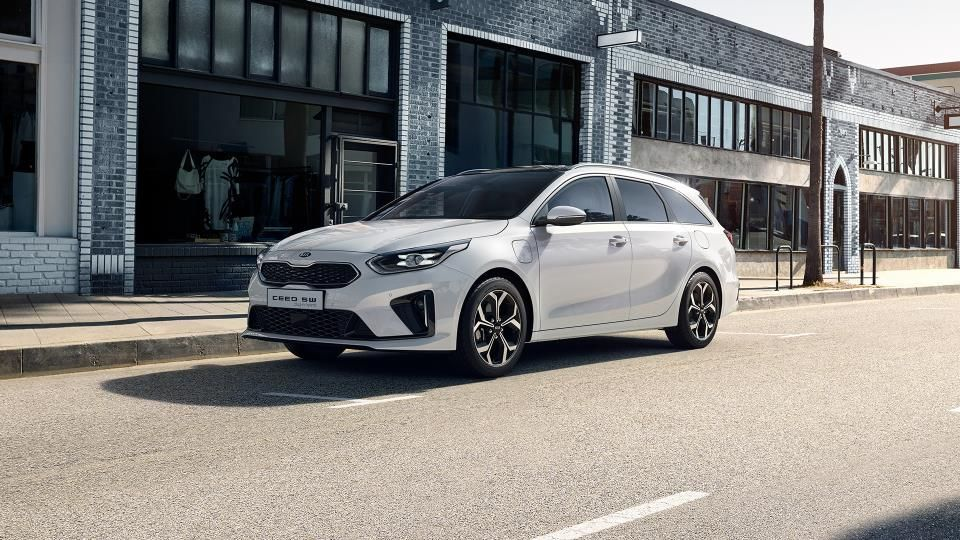 Kia offers new plugin hybrid versions of popular Ceed and