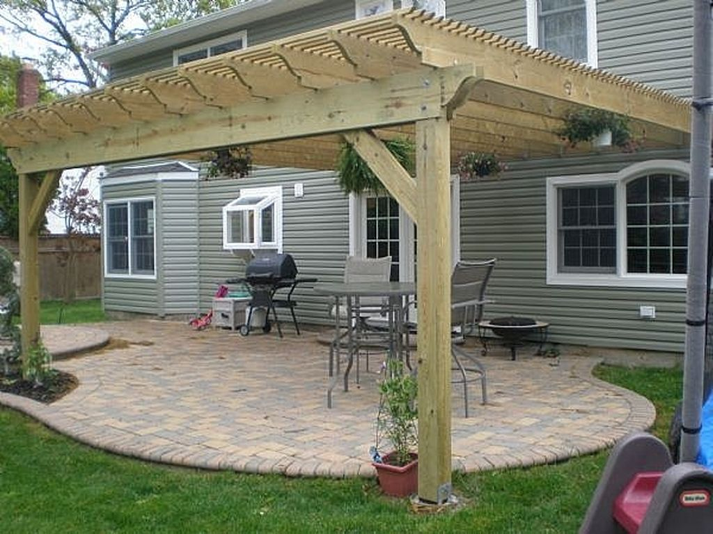 Perfect wood designs of pergola connected to house patio for Small patio design plans