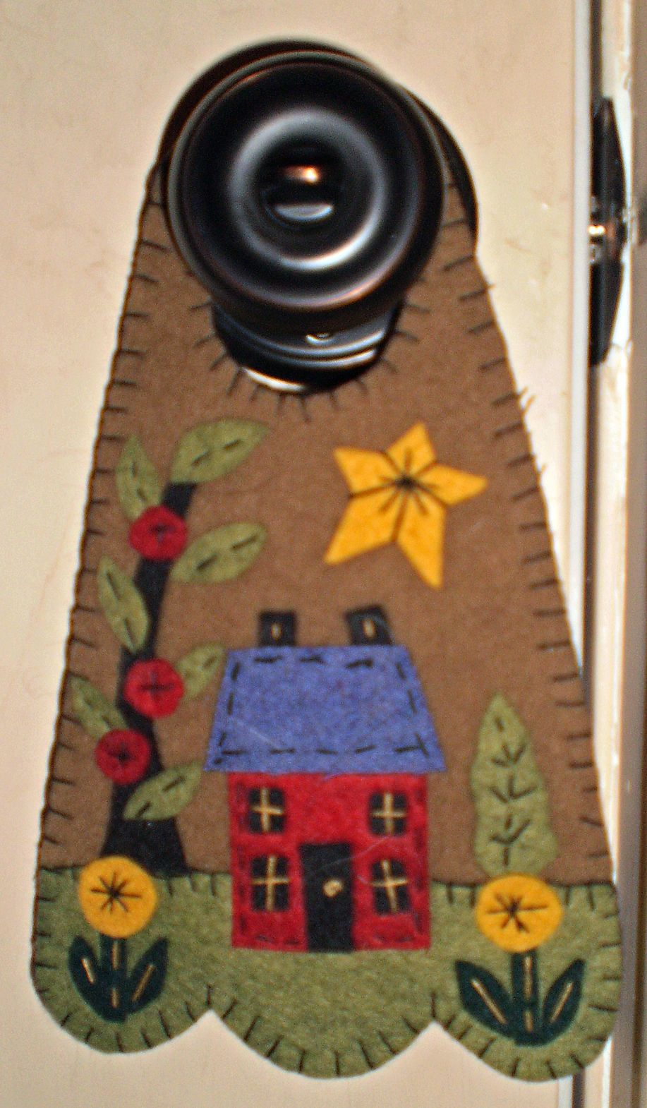 Quot House Quot E Pattern Penny Rug Door Knob Hanger Spring Wool