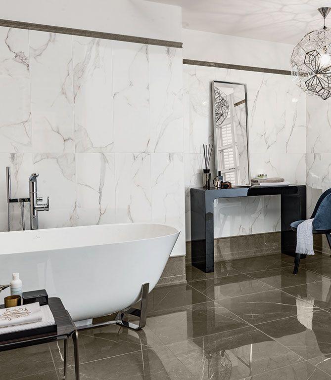 Eleganter Look fürs Bad mit XXL Fliesen in Marmoroptik