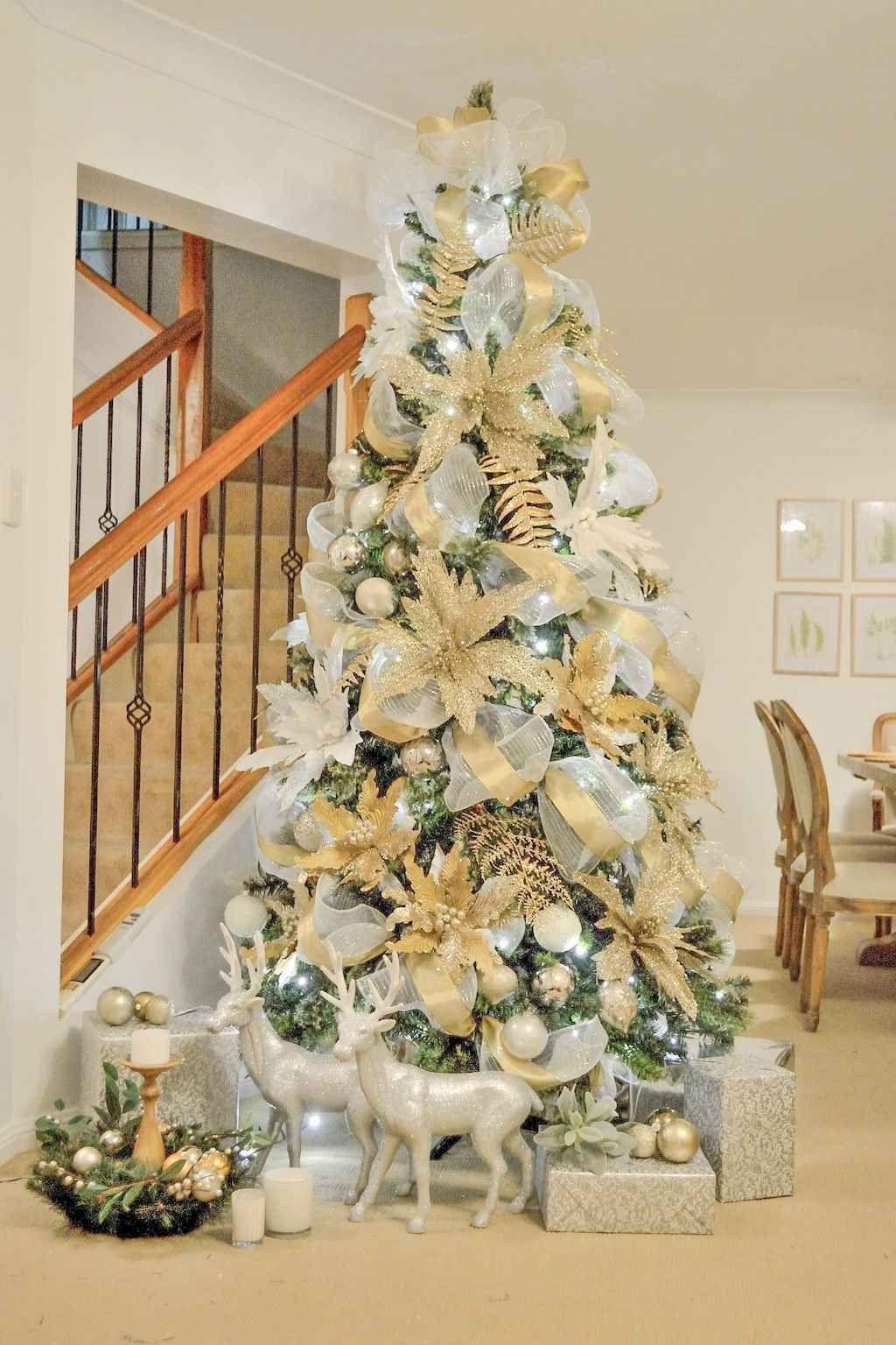 80 Fantastic Farmhouse Christmas Tree Decorating Ideas