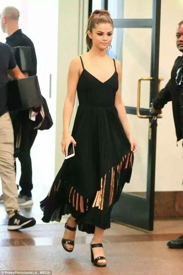 Pin by Linh Thùy on Selena gomez | Fashion, Dresses, High ...