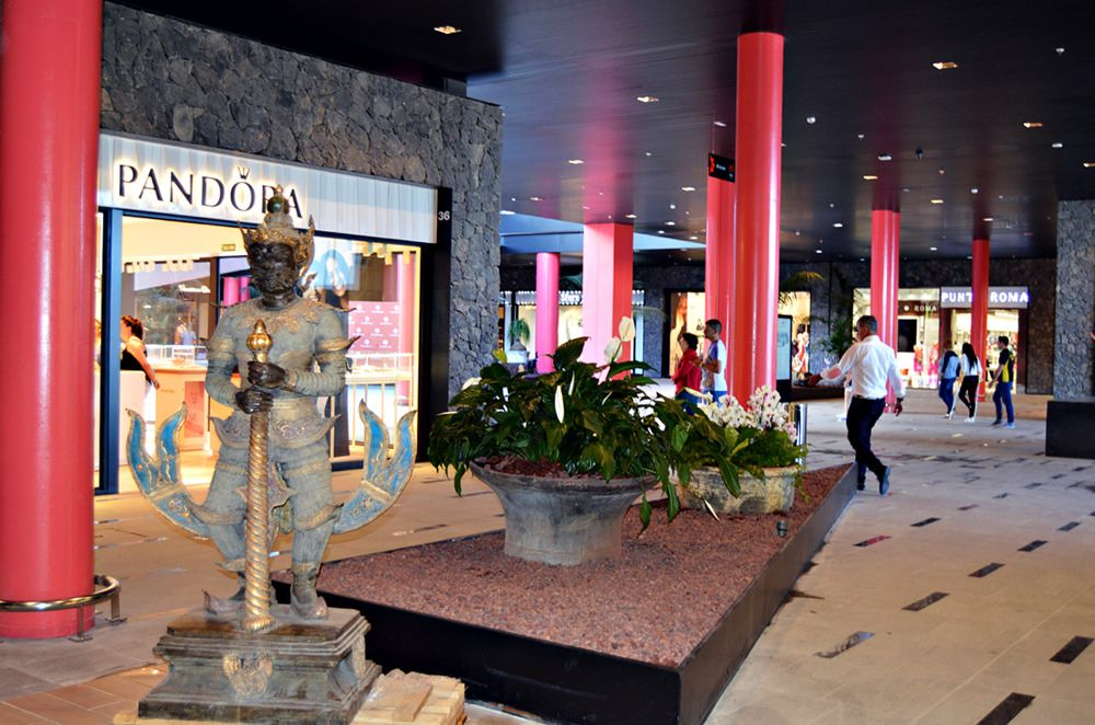 Entrance Siam Mall Costa Adeje Tenerife Tenerife Island Vacation Canary Islands