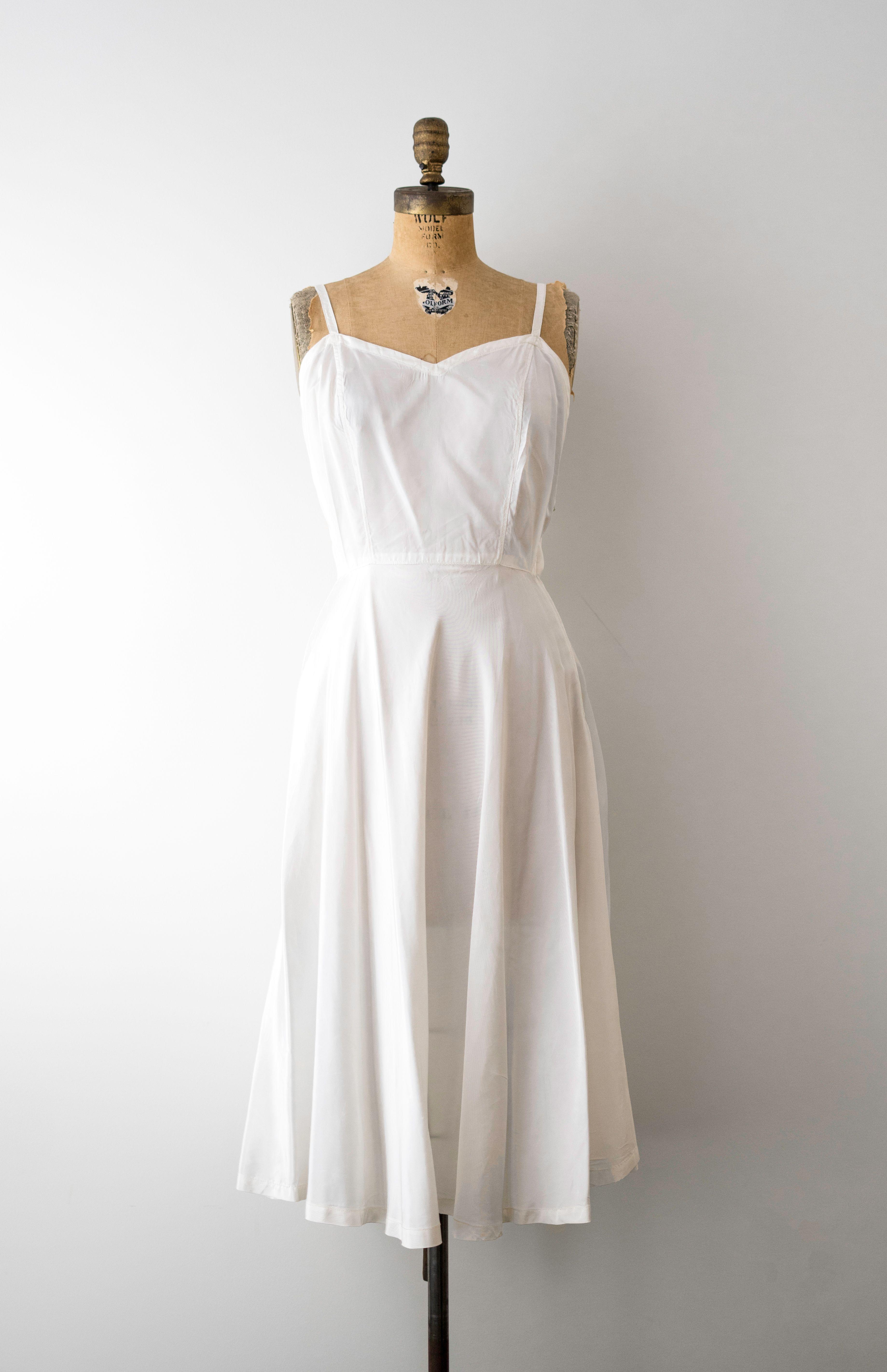 1940 White Slip 40 S Slip Dress With Full Skirt Swing Style Vintage Small White Slip Dress Slip Dress Dresses [ 5687 x 3676 Pixel ]