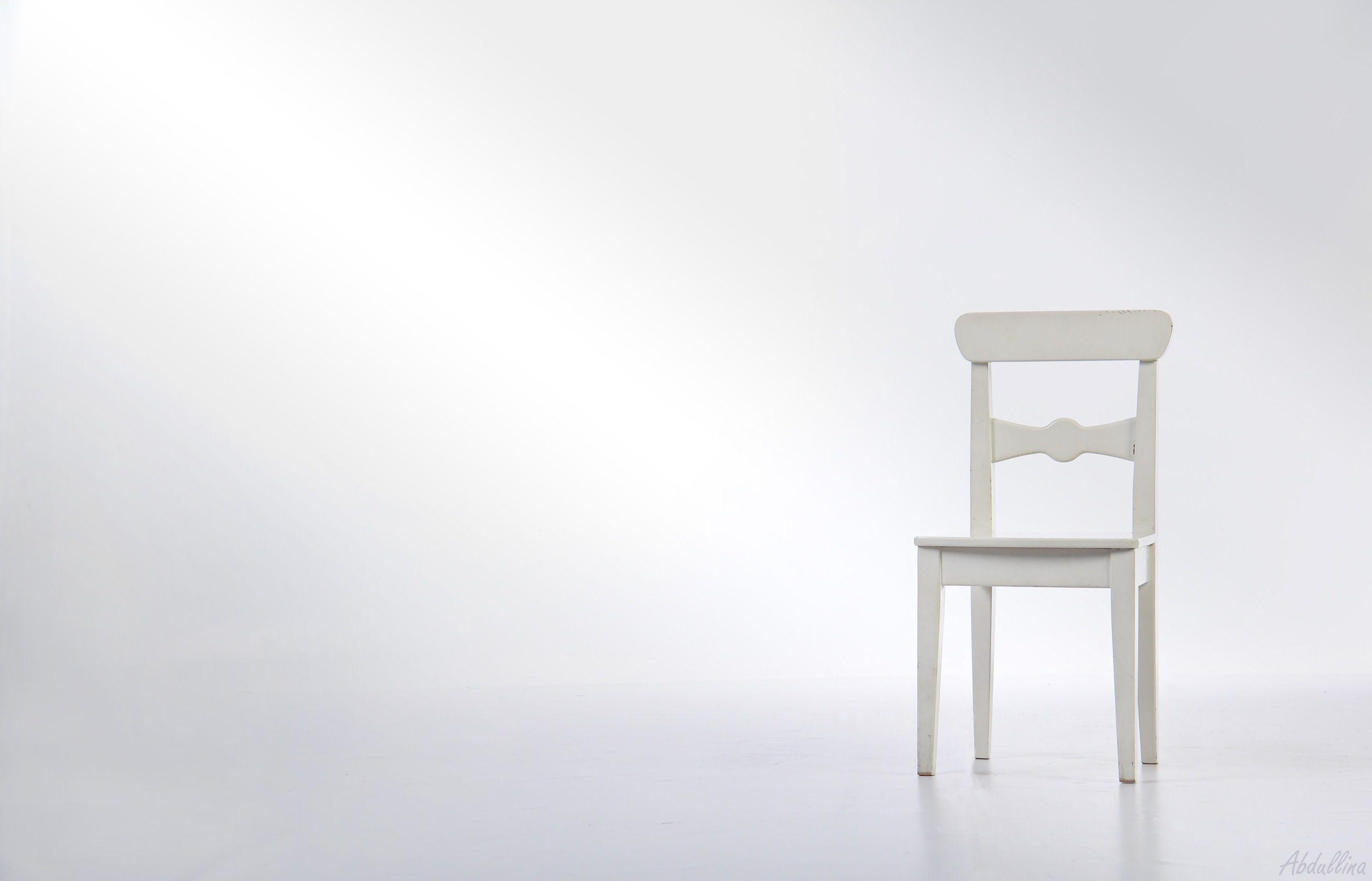 A White Chair In A White Room Hd Wallpaper White Chair Chair Studio Chairs