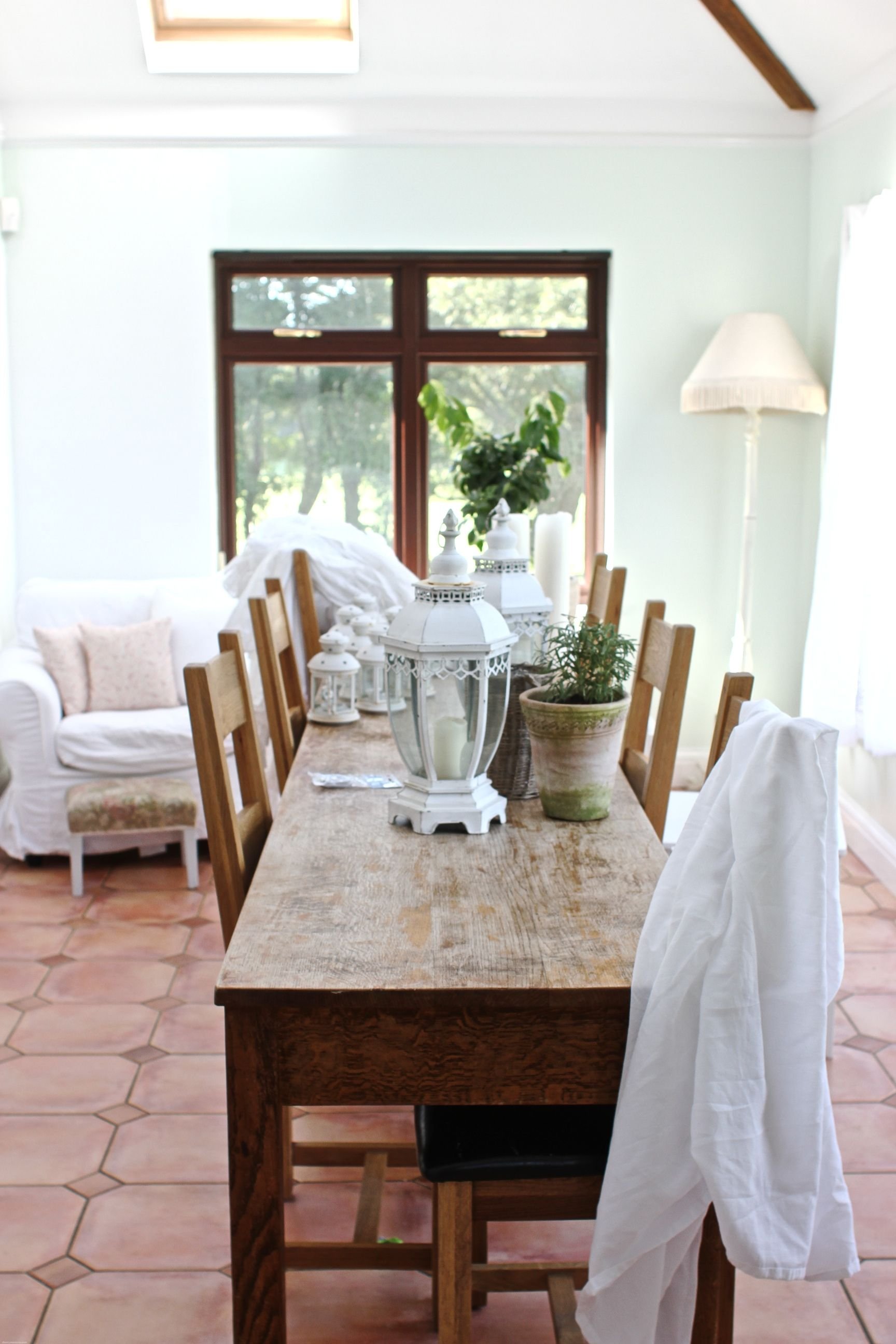 love that table for my sunroom...floor too! | Dining room ...