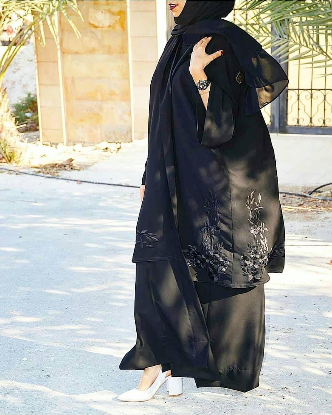 Repost Alzain Abaya With Instatoolsapp New Collection الكولكشن الجديد Sale Price 35 Bd Offer عبايه الطبقتين بتطريز اسو Abaya Fashion Islamic Fashion Fashion