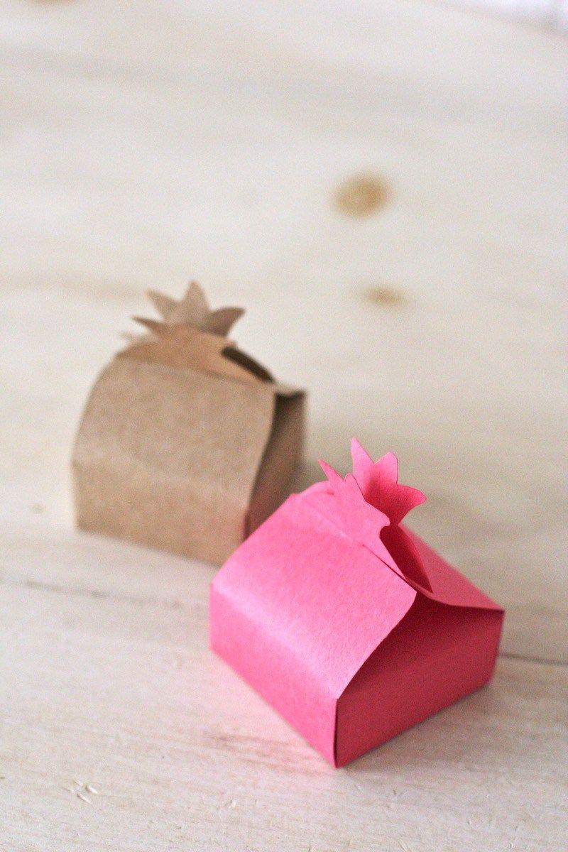 Pomegranate Favor Box Craft | Chai & Home | Yom Teruah | Pinterest ...