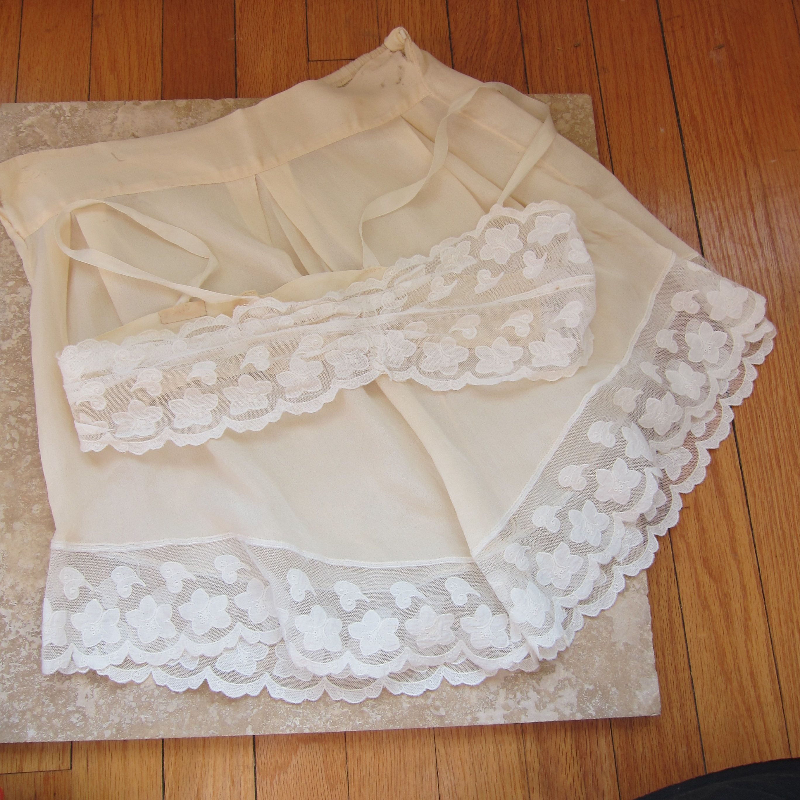 1920s Bra and Panties Set   20s Lingerie Tap Pants Dance Shorts   Cream  Mesh Lace Bra and Knickers Set in Silk AS IS by BasyaBerkman on Etsy 62ede7a11