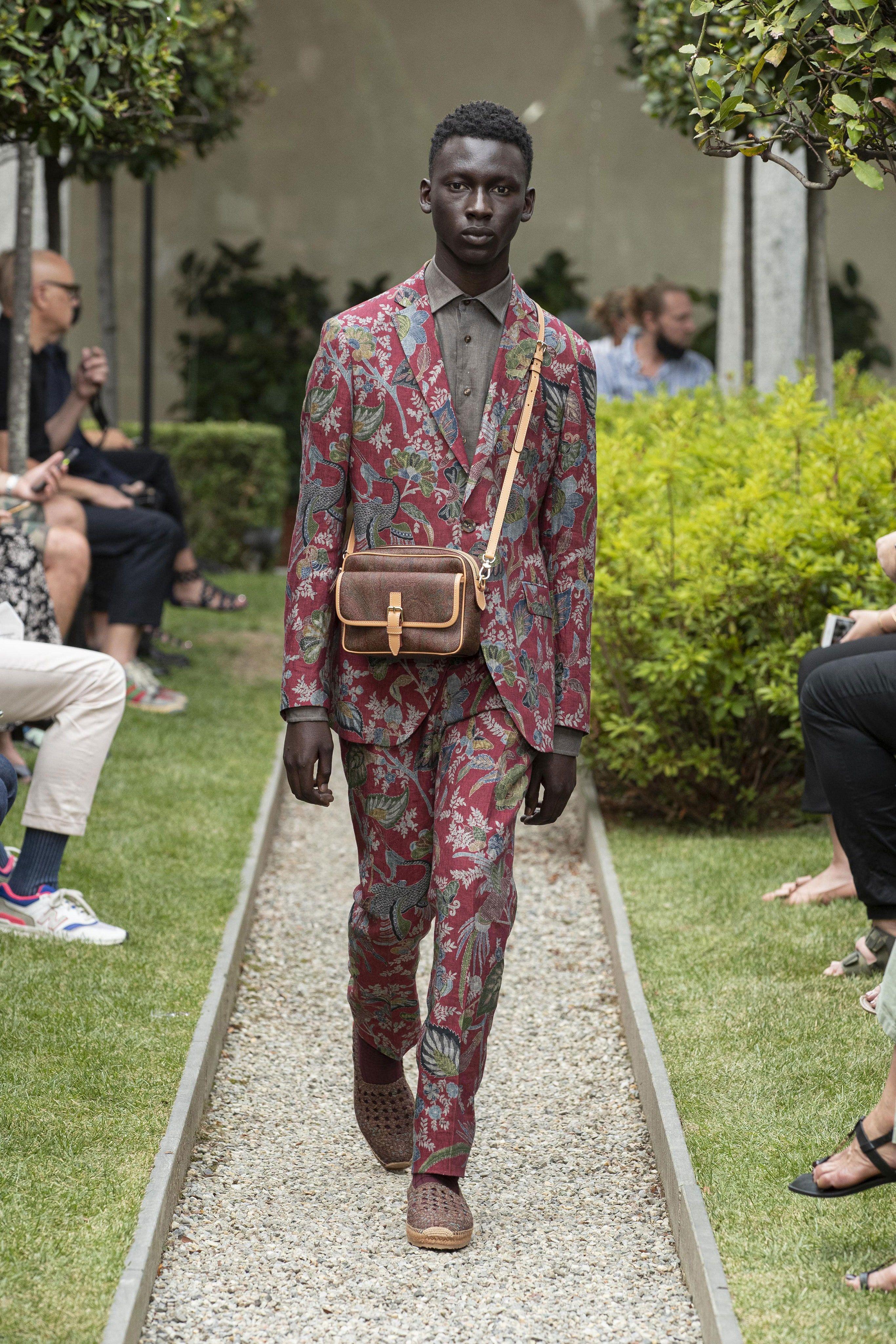 Etro Spring 2021 Menswear Fashion Show in 2020 | Men ...