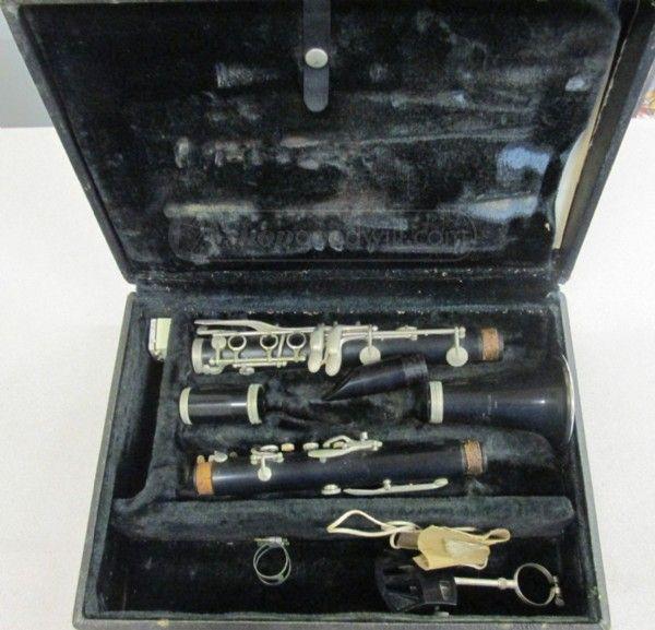 shopgoodwill.com: Artley Prelude 18 S Clarinet w/Case Ser No 21715