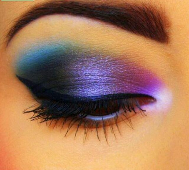 How To Get The Galaxy Eyeshadow Look Sleek Makeup Eye Makeup Eye Make Up