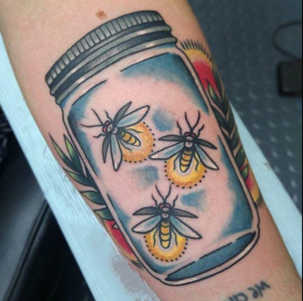 Tool box tattoo by mark old school tattoos by mark pinterest - Cute Tattoo 30 Beautifully Colourful Traditional Tattoos