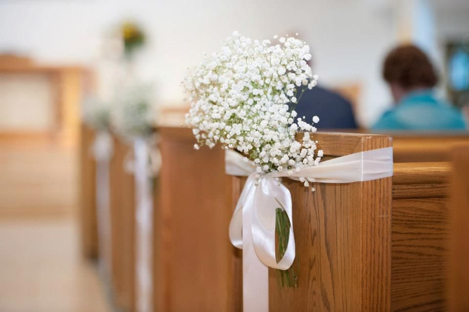 Aisle Decorations - How Long Does Baby's Breath Last? - EverAfterGuide
