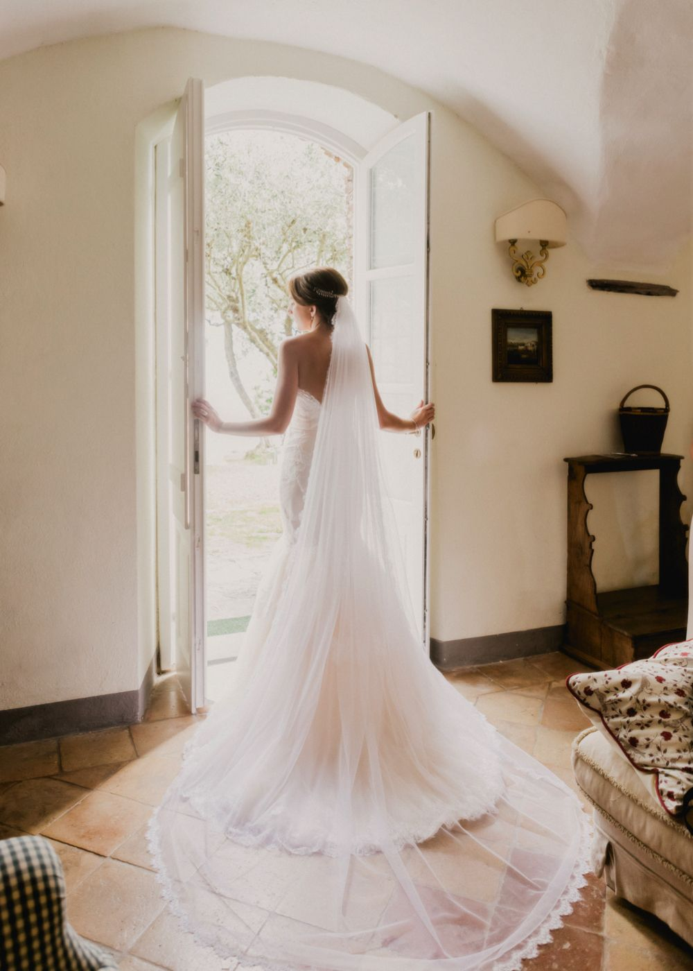 A blush and gold wedding in the tuscan countryside with bespoke
