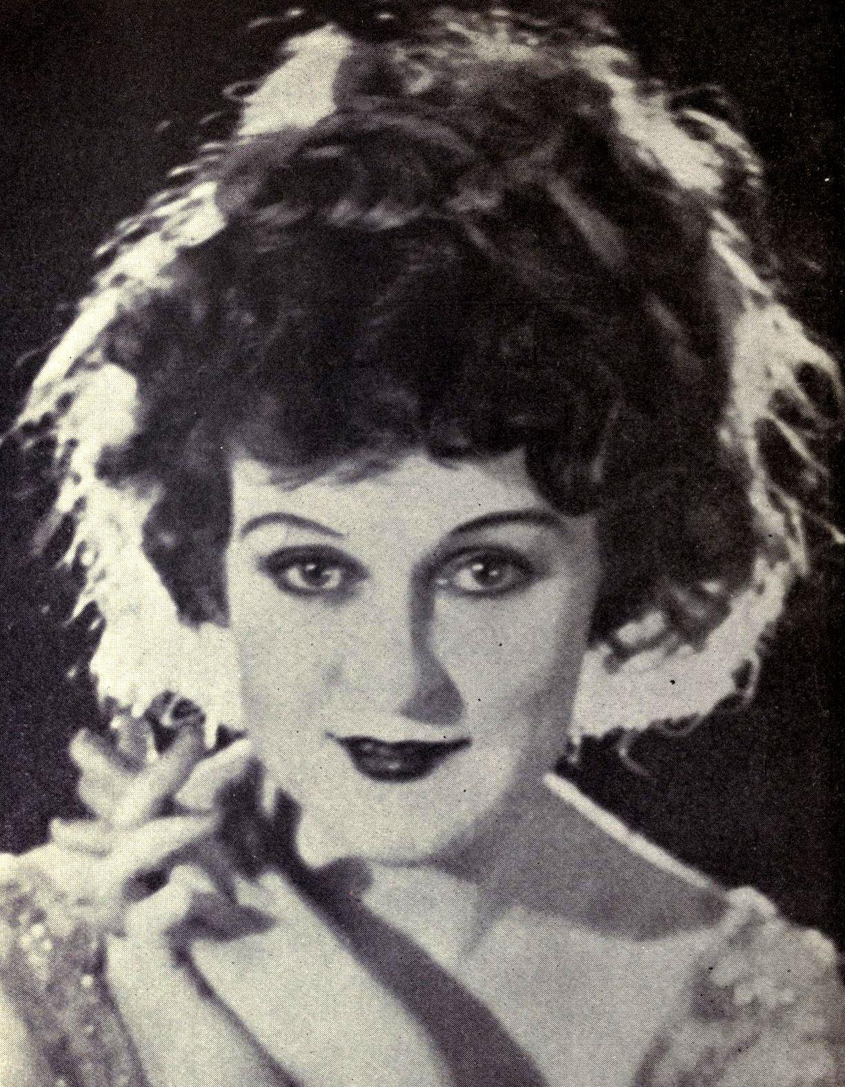 Peter Burton (1921?989),Geoffrey Keen (1916?005) Porno tube Syra Yousuf,Tim Pigott-Smith (1946?017)