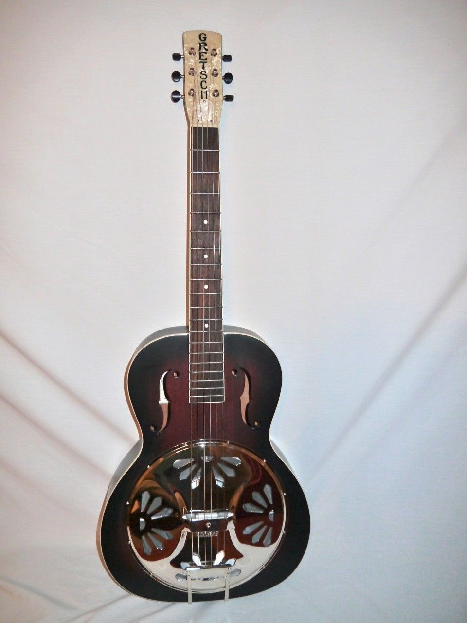 Indian Creek Guitars - Gretsch G9220 Bobtail Round-Neck Acoustic Electric Resonator,  (http://www.indiancreekguitars.com/gretsch-g9220-bobtail-round-neck-acoustic-electric-resonator/)