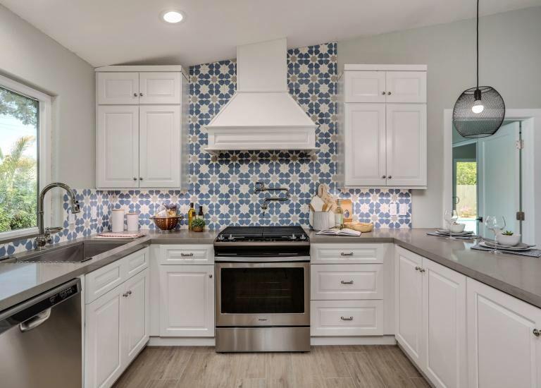 Cottage Style Kitchen Assembled Kitchen Cabinets White ...