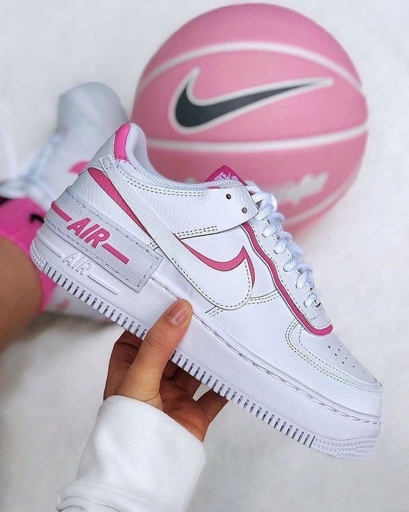 Nike Wmns Air Force 1 Shadow White Magic Flamingo White White Magic Flamingo White Running Shoes C In 2020 Nike Air Shoes Nike Shoes Air Max Nike Air Layered pink paneling at the eyestay adds an additional pop of color, while nike's logo is similarly embroidered in pink at the heel. pinterest
