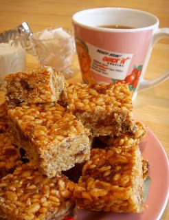 RICE BUBBLE AND DATE TREATS (aka RICE BUBBLE & DATE SLICE)   I believe it was Christmas Eve and I was next door for morning tea when Linda o...