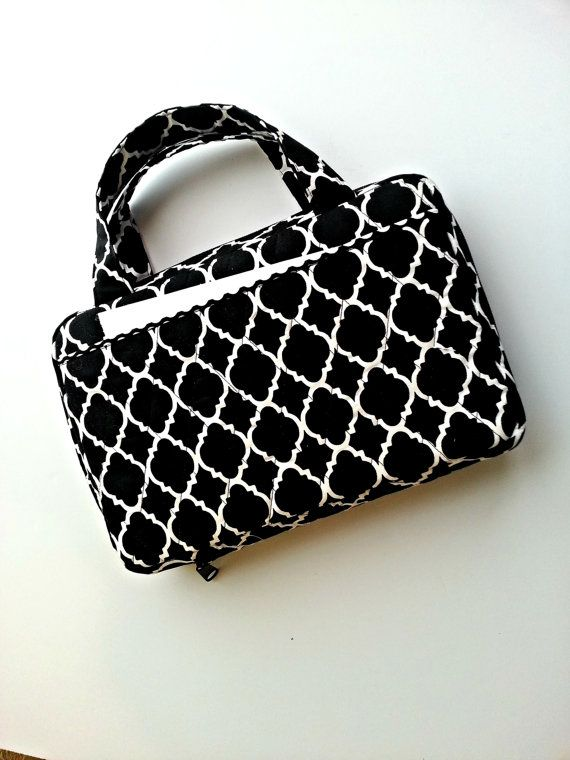 Quilted  Zipper Bible Cover in Black Quatrefoil print
