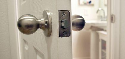 How To Unlock A Locked Bathroom Door Bathroom Door Handles Bathroom Doors Door Handle With Lock