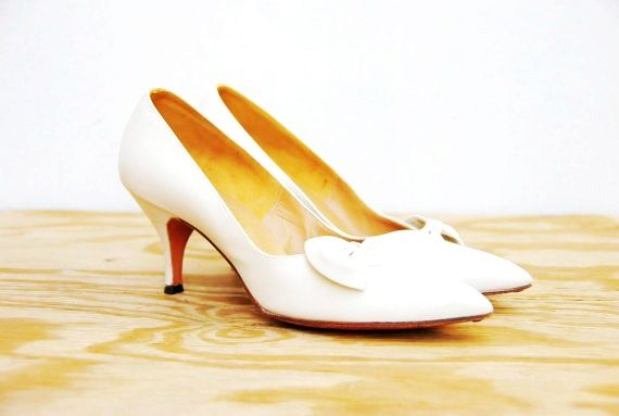 50s White Bow Pumps Rhythm Step Heels Leather Wedding Shoes 1950s Formal Vintage