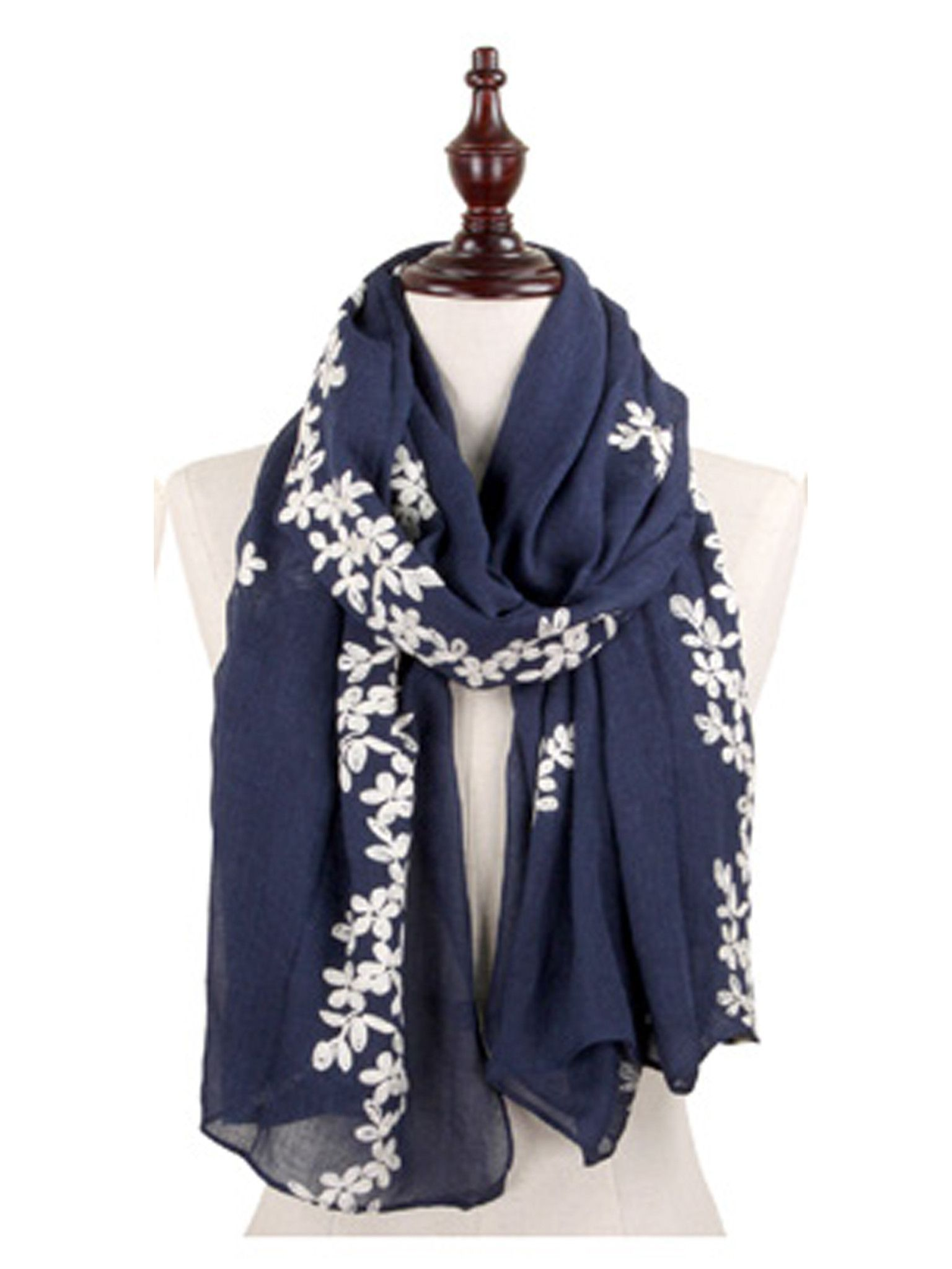 Best 25 Accessorize Scarves Ideas On Pinterest Ways To Tie Scarves Tie A Scarf And Scarf
