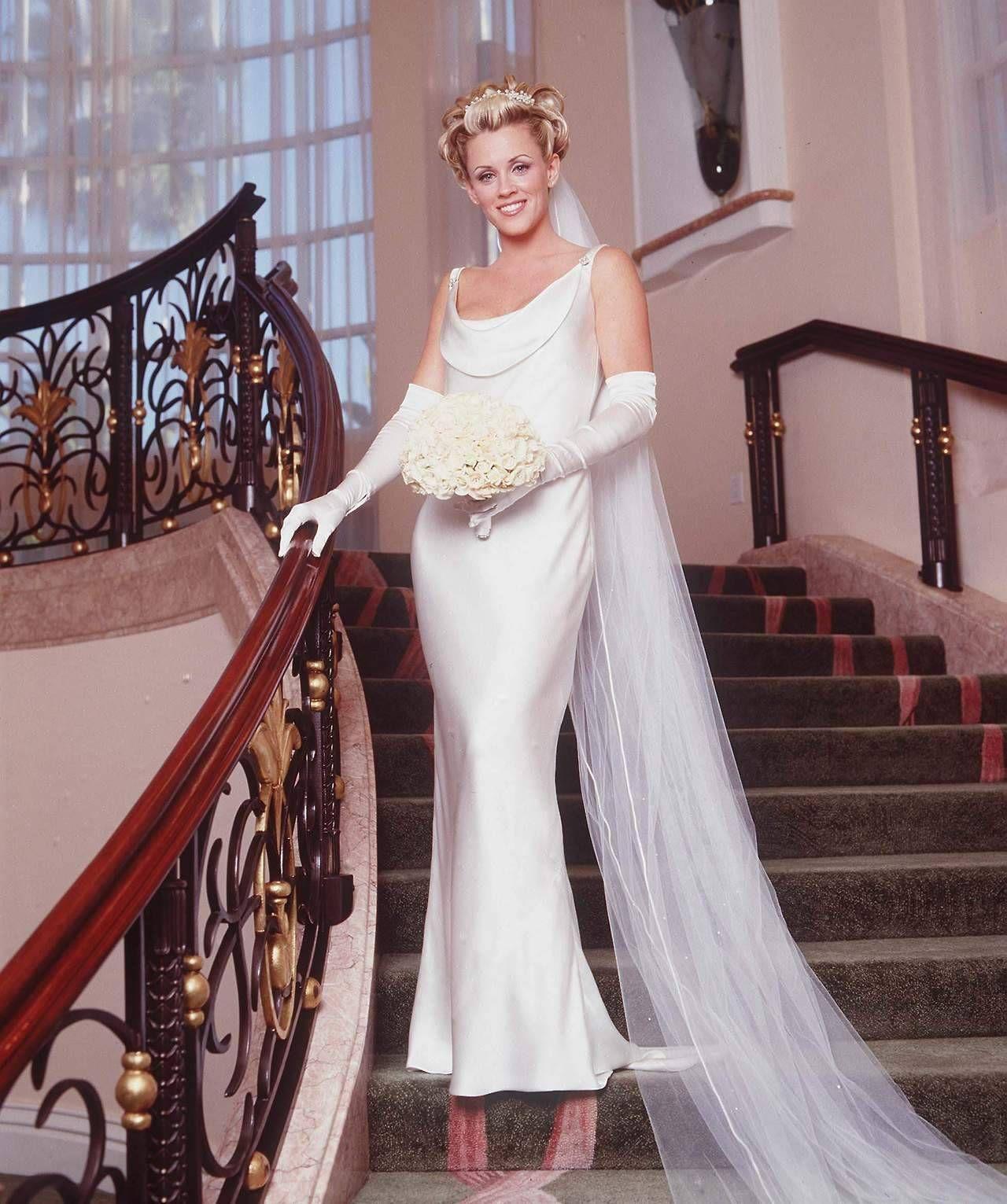 Jenny Mccarthy Wearing Opera Gloves Wedding Dresses Opera Gloves Dresses