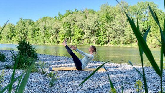 Yin Yoga – die erste Folge ॐ YOGAMOUR Yoga Videos