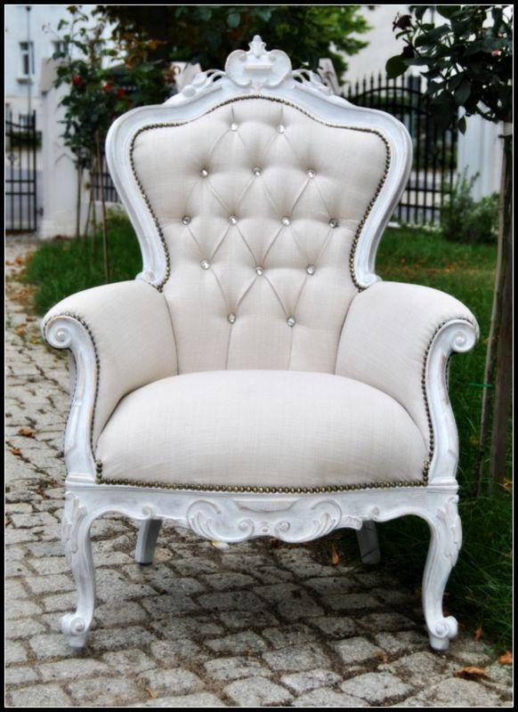Pikowany, biały fotel - Provence Meble na zameczku