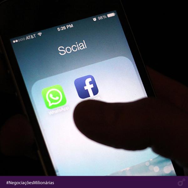 No ano de 2000, AOL compra Time Warner por US$ 162 bilhões. A fusão entre o maior provedor de internet da época e a gigante de comunicação resultou na criação da AOL Time Warner, conglomerado de mídia avaliado em US$ 350 bilhões e considerado, na ocasião, o maior da história. Compra do whatsapp pelo Facebook não chegou nem perto. #negociaçõesmilionárias