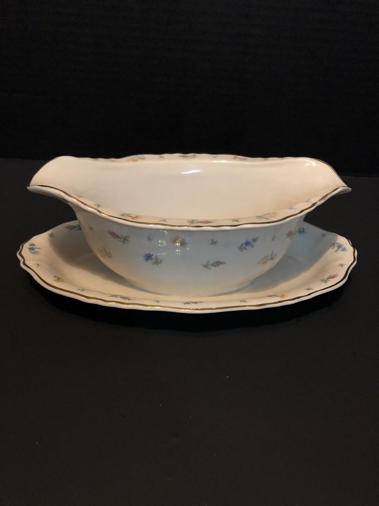 Syracuse China Federal Shape Suzanne Gravy Boat With Underplate