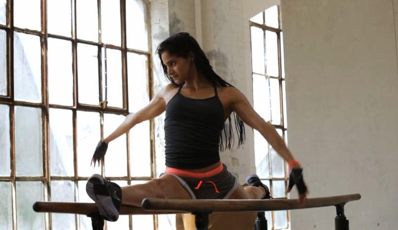 Split Gymnastics  Sofia Boutella-2135