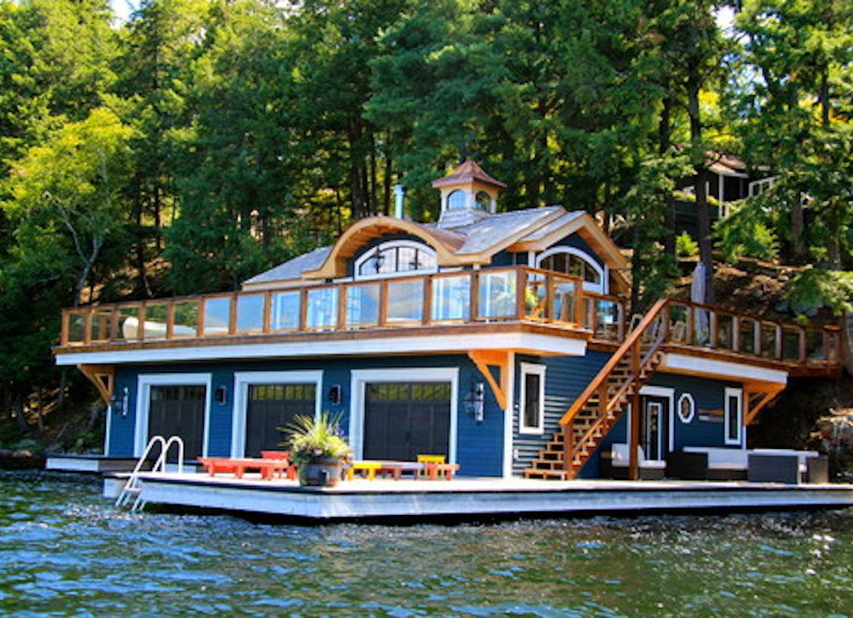 13 Amazing Floating Homes Around the World