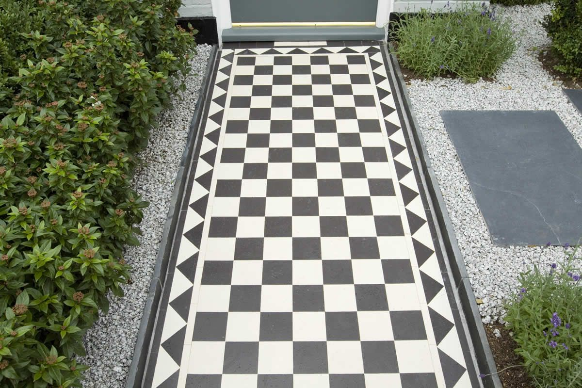 Terraced House Garden Ideas terraced house garden ideas mulch garden ideas landscape Find This Pin And More On Modern House Patios Gardens Seating