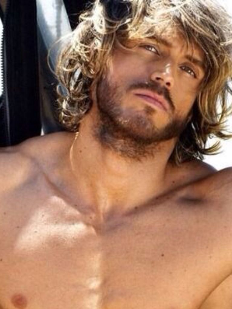 Surfer Hairstyles For Men Scruffy Man With Blonde Surfer Hair Blond Surfers Pinterest