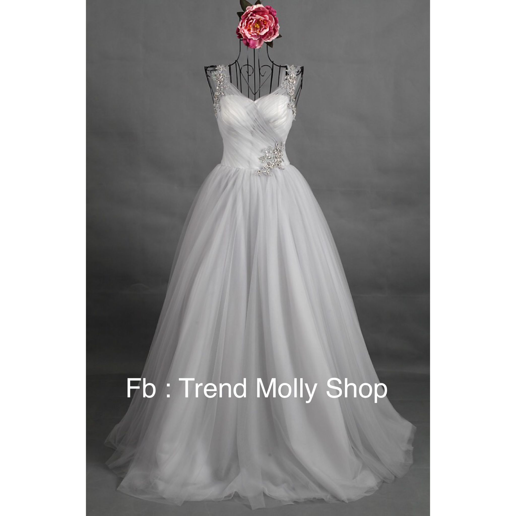 Wedding Dress  Email: Thuhiencircus@gmail.com  Designed , redesign .  https://www.facebook.com/pages/Trend-Molly-Shop/403472529832549