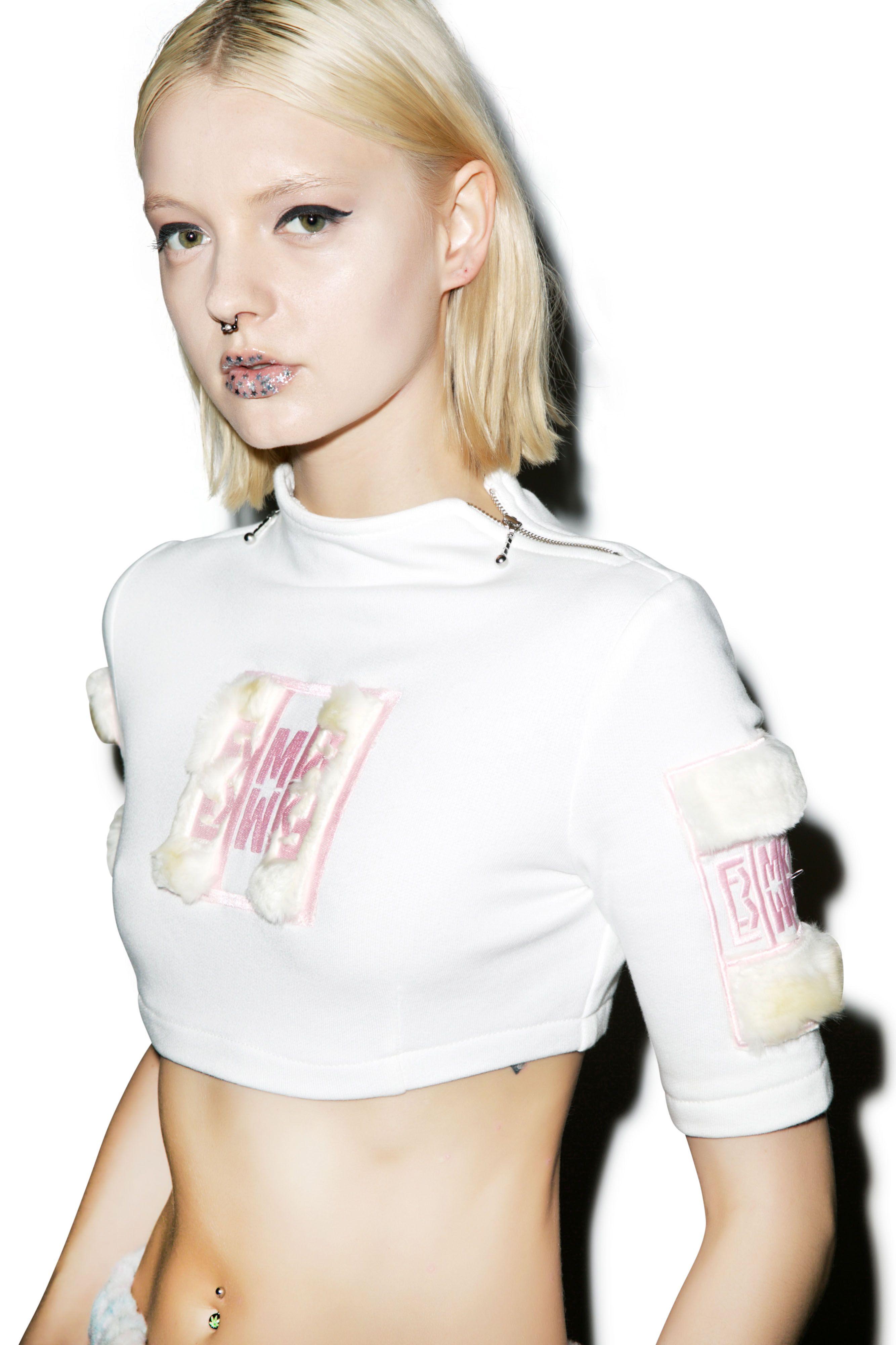 Maria K Fisherman Knit Street fashion – Hot Trend | Street Style Fashion Blog #mariakfisherman #knits #fashion