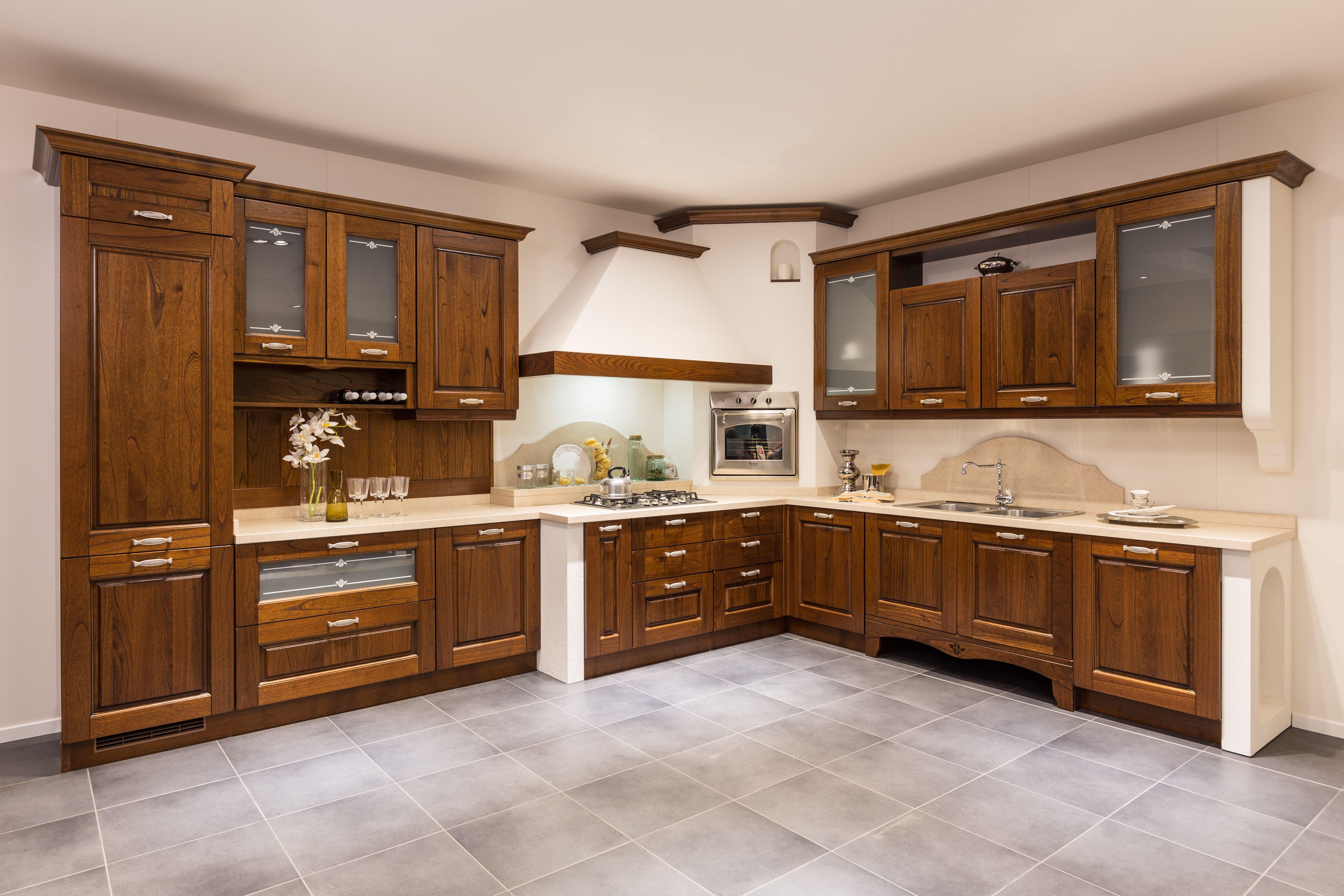 Anche cucine Classiche presso lo store di Centro Veneto del mobile a ...