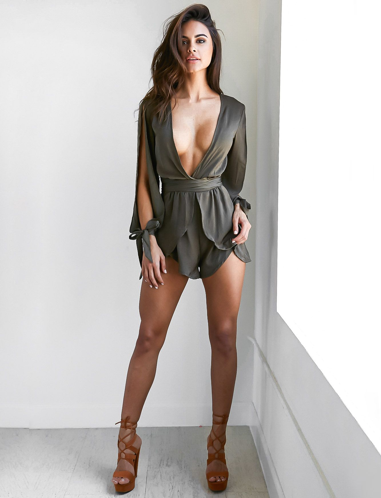 Sexy outfits for perfect figure women