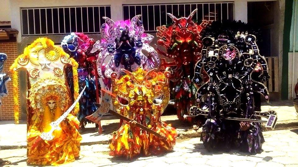 BLOG JUIZ DE FORA SEGURA: 16º Encontro de Folia de Reis reúne dez grupos no ...